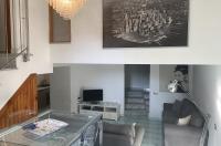 Piano di Sorrento, collina, in contesto esclusivo, vendesi grazioso appartamento con corte esterna