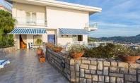 VICO EQUENSE, Loc. Montechiaro, vendesi panoramicissima villa con giardino