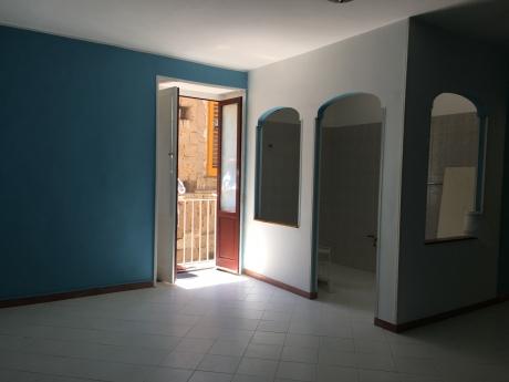 SORRENTO, Centro Storico, vendesi luminoso appartamento 75 Mq