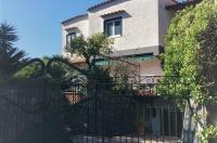META, in parco, contesto residenziale e tranquillo affittasi villa
