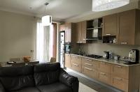 Piano di Sorrento, centralissimo, vendesi rifinito e luminoso appartamento