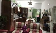 SANT'AGNELLO, immerso nel verde, vendesi luminoso appartamento con ingresso indipendente