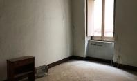 SORRENTO, Corso Italia, vendesi bilocale da ristrutturare