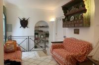 Capri, in posizione centrale, vendesi grazioso appartamento con ingresso indipendente