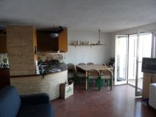 ampia e panoramica zona giorno-cucina
